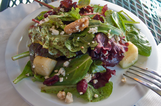 Pizz'a Chicago - Apple Walnut Salad