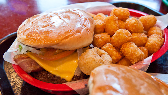 Longhorn Cafe - Bacon Cheeseburger with Tater Tots