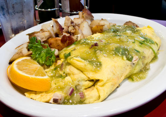 Hobee's - Stanford Cardinal Omelet with Hash Browns