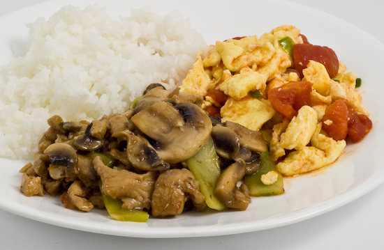mushrooms with chicken tenders, tomato and eggs, and white rice