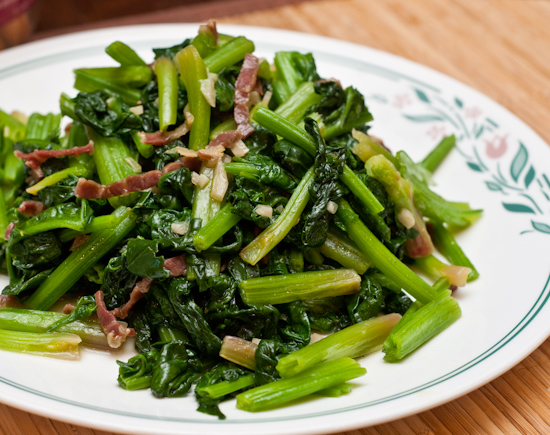 Sauteed Spinach with Garlic and Prosciutto
