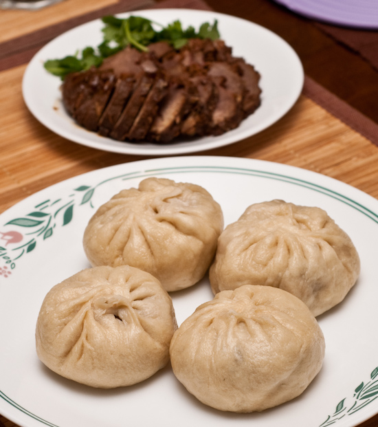 Daikon buns and soy sauce cooked pork