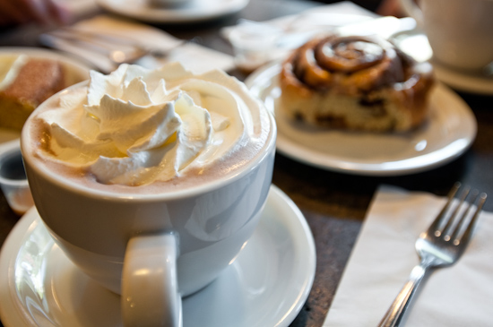 High Point Cafe - Hot Chocolate and Cinnamon Roll