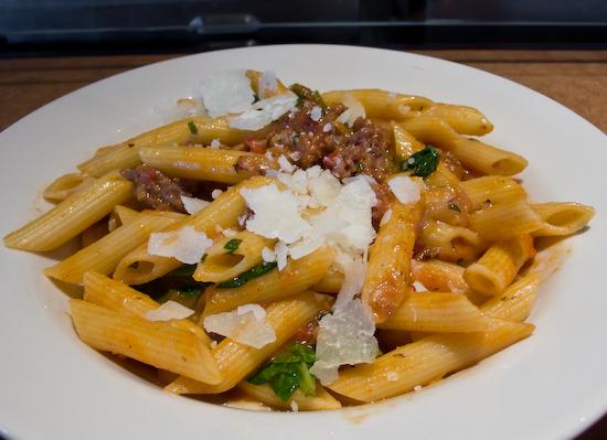 Pasta Pomodoro - Penne Salsiccia