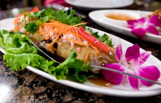 Manora's Thai Cuisine - Por Pia Sod