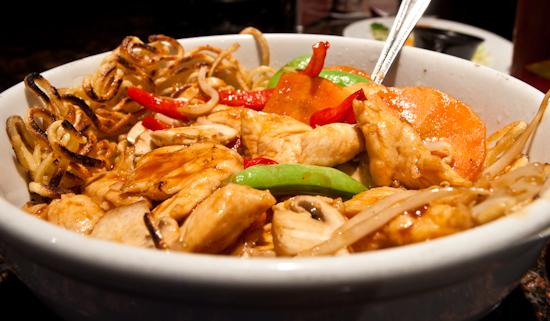 Mama Fu's - Vietnamese Crunch Noodles (Chicken)