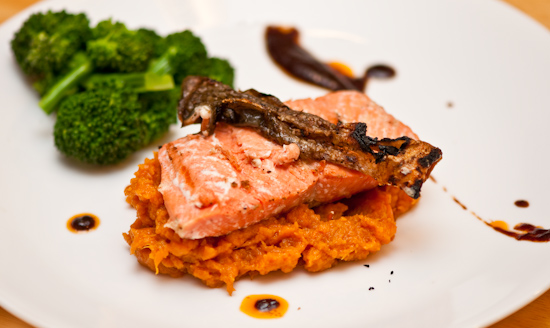 Salmon, mashed sweet potatoes, broccoli