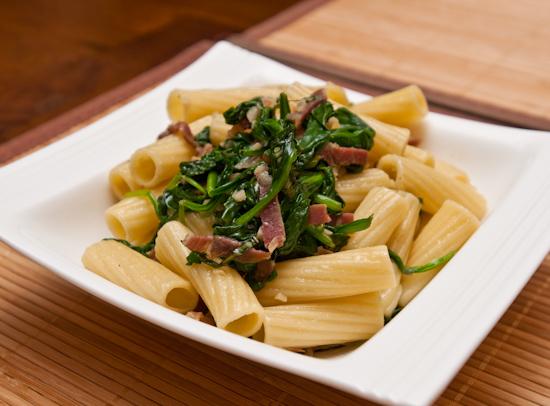 Rigatoni with Prosciutto, Garlic, and Spinach